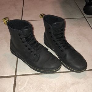 Dr. Martens Shoreditch Boot